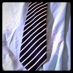 Navy and white Canali tie.
